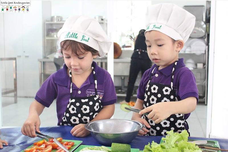 little foot kindergarten lớp nấu ăn